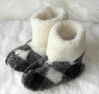 Natural Sheep Wool Unisex Fluffy Slippers Sheepskin